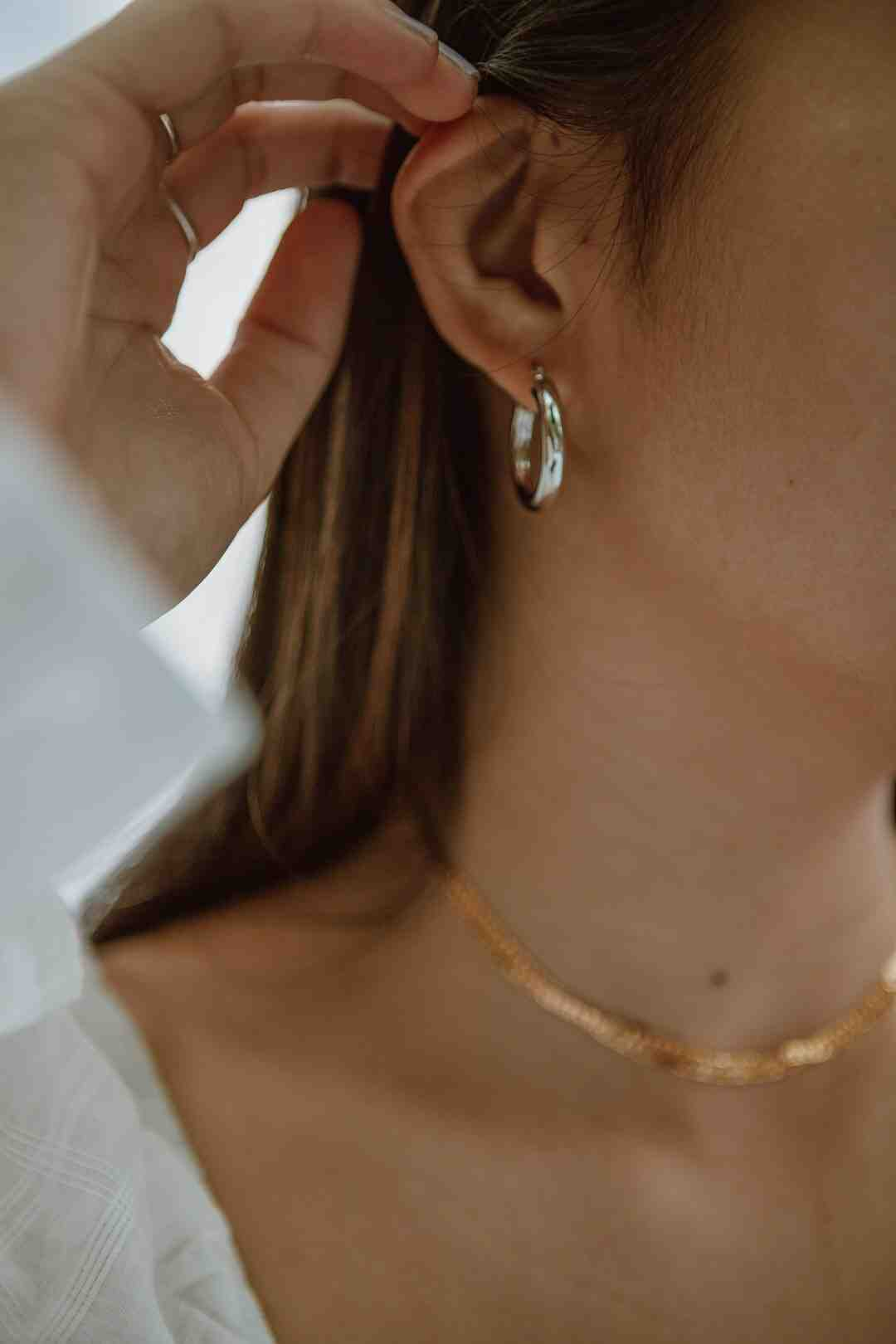 Comment fixer collier plomberie