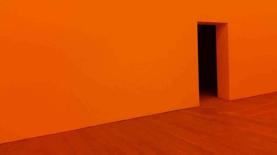 Comment fixer étagère murale fixation invisible