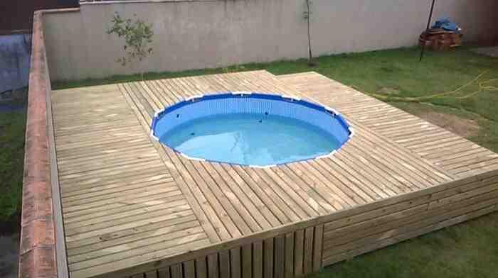 Terrasse en palette pour piscine hors sol